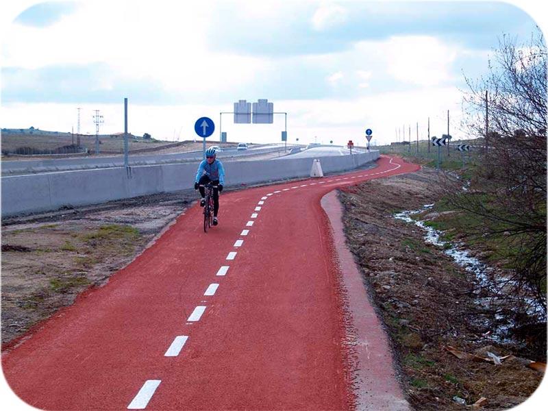 Caril-Bici-compodur-urbano-sobre-aglomerado-impercanal