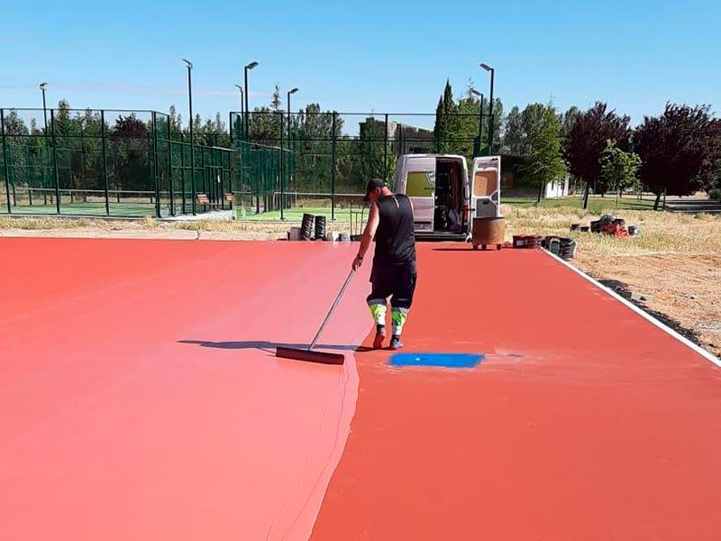 aplicacion-de-resinas-pista-de-tenis